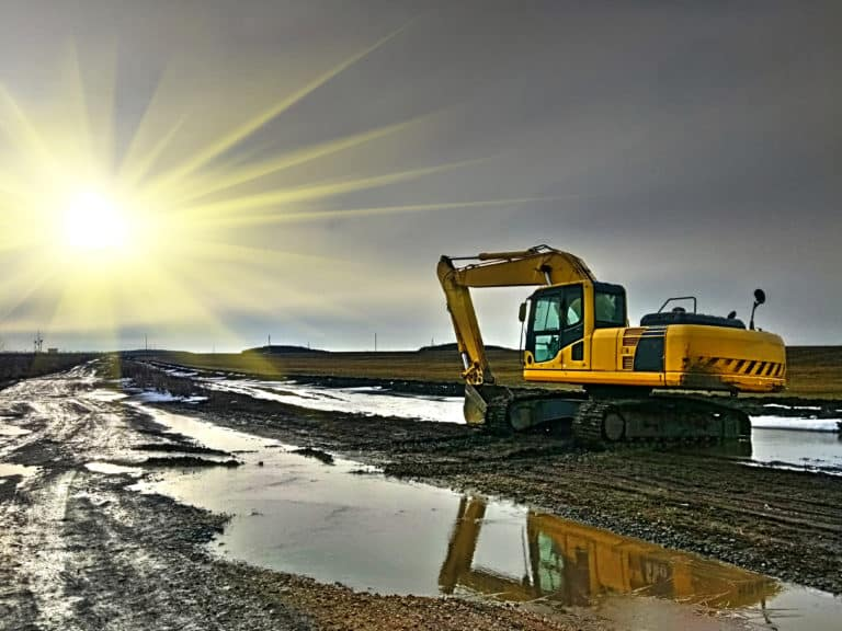 bigstock-A-Large-Construction-Excavator-287815057-768x576.jpg